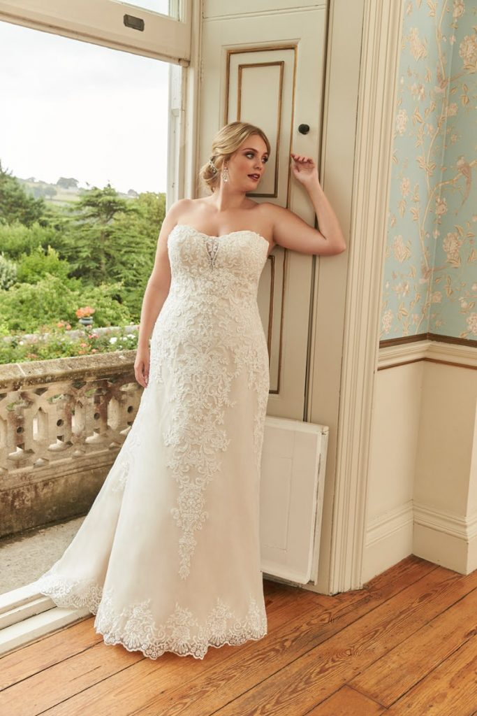 Romantica Silhouette Catalina Wedding Dress