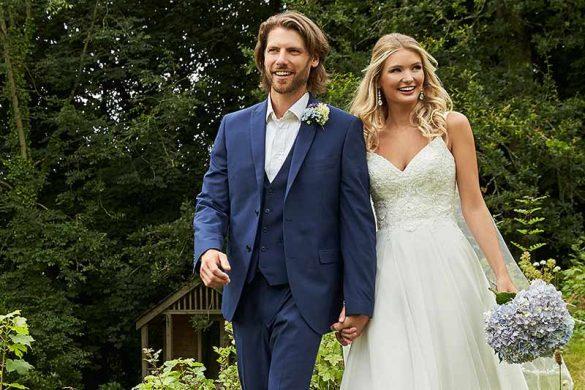 Romantica of Devon Featured Image Bride and Groom
