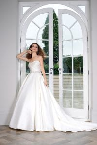 Veromia VR61471 Discounted Wedding Dress