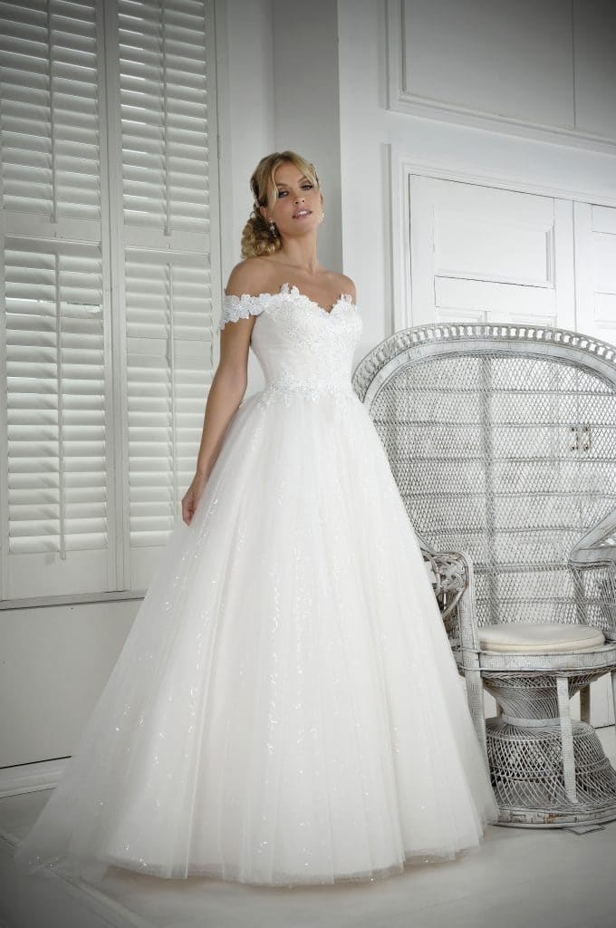 Veromia VRK61808 Wedding Dress