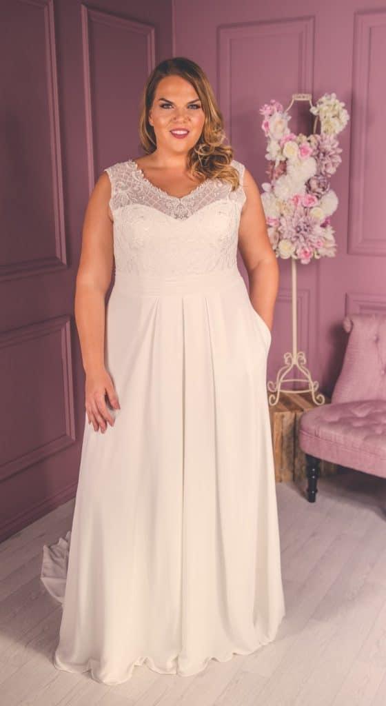 curvy bride, Victoria Kay Beauty, The Bridal Affair featuring Curvy Bridal