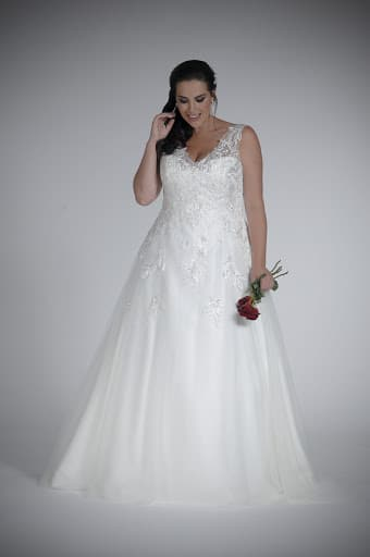 plus size bridal, Sonsie by Veromia, The Bridal Affair featuring Curvy Bridal
