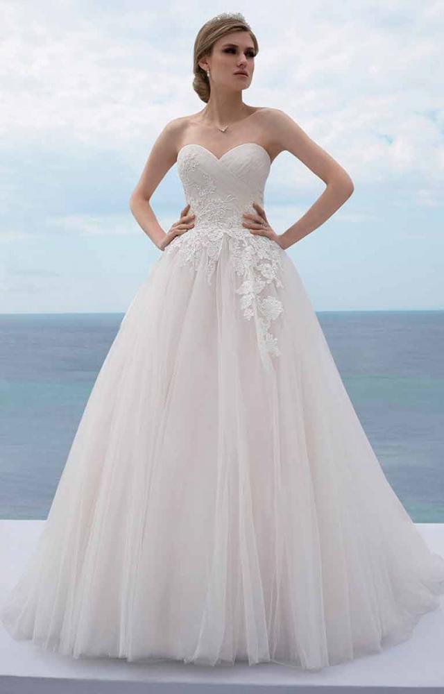 Mark Lesley 7426 Wedding Dress