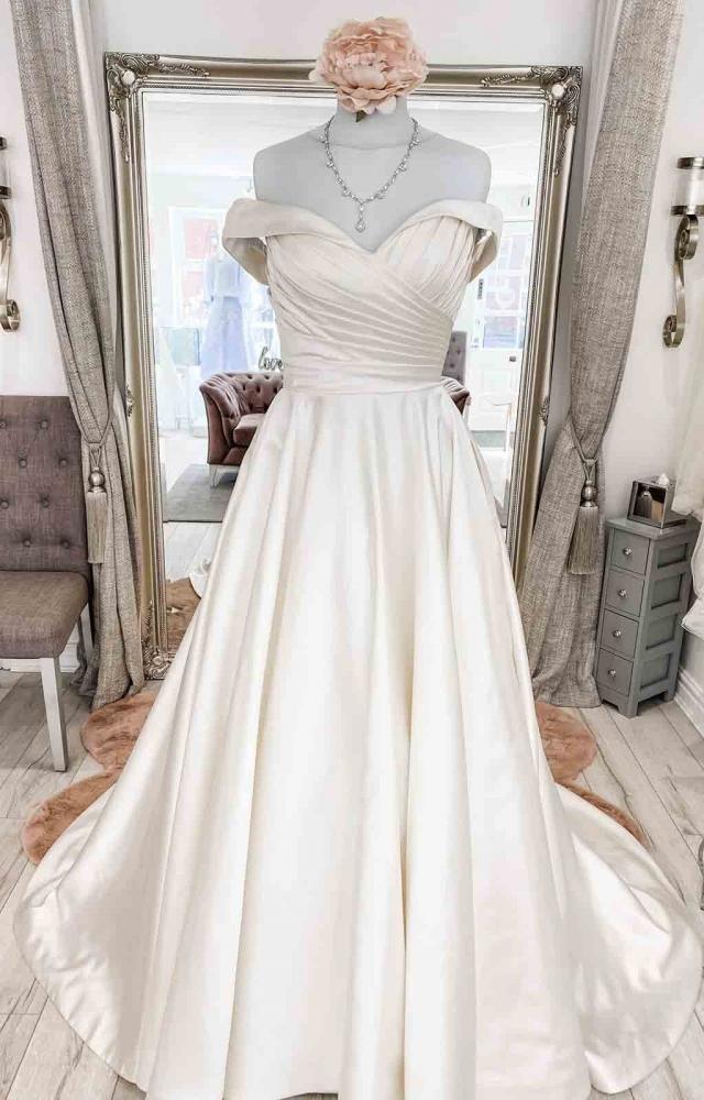 Mark Lesley 7452 Wedding Dress