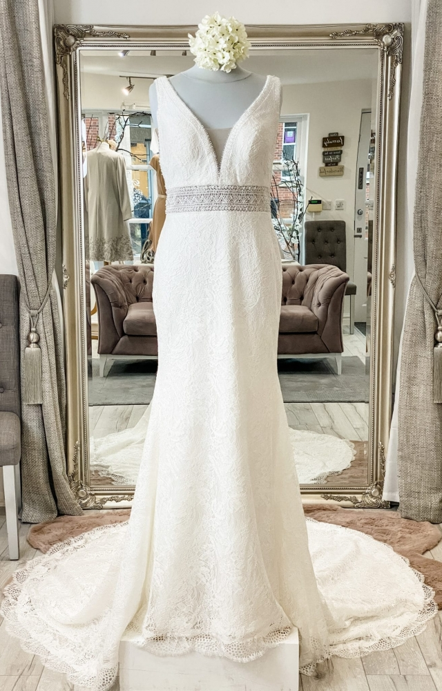 Mark Lesley 7458 Wedding Dress