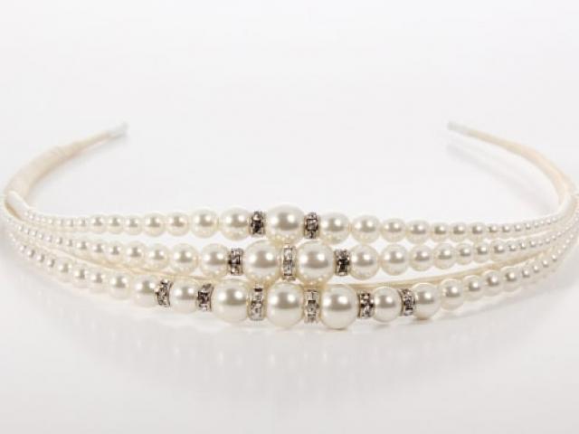 Richard Designs B047L Pearl and silver crystal tiara band