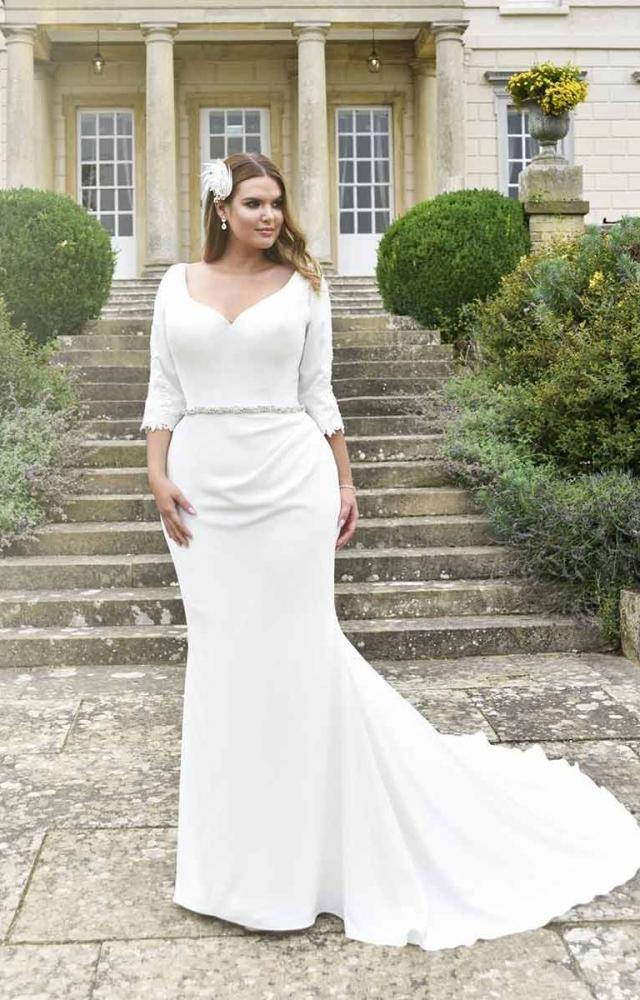 True Curves Baylie Plus Size Bridal