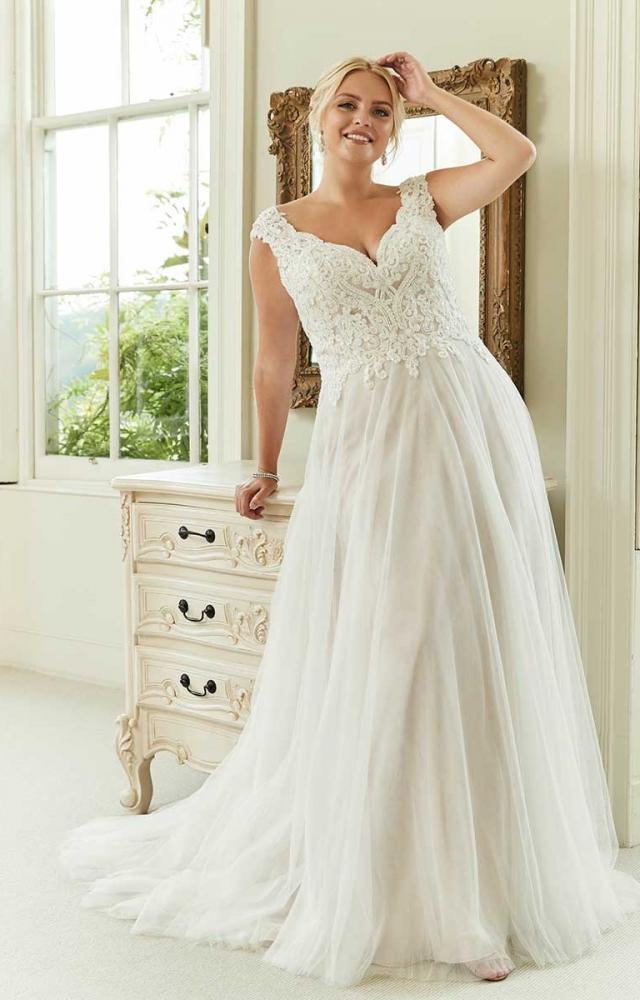 Romantica Silhouette Emma-Claire Curvy Bridal Dress