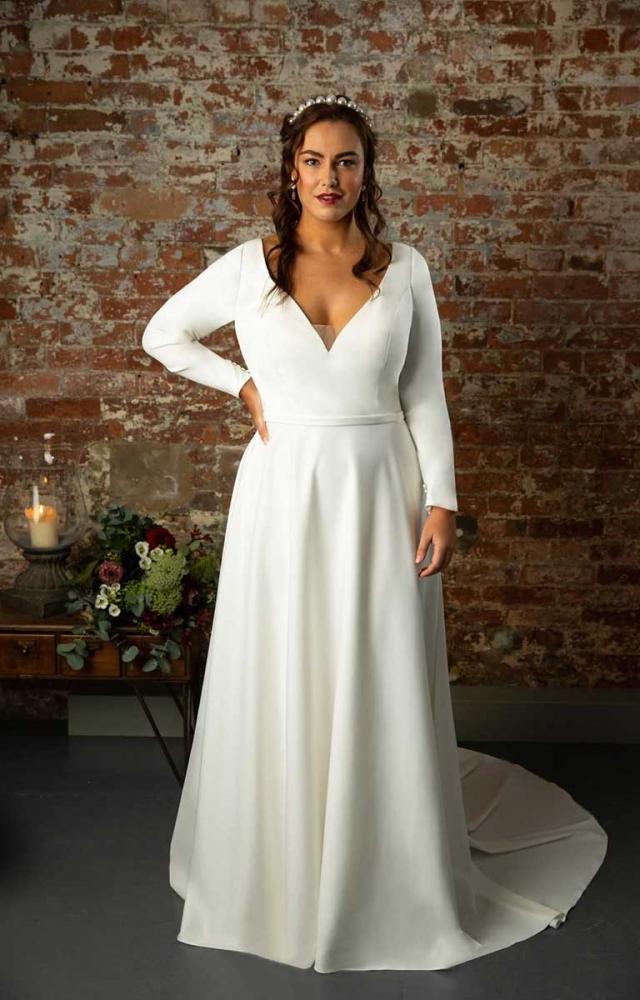 True Curves Ines Plus Size Bridal