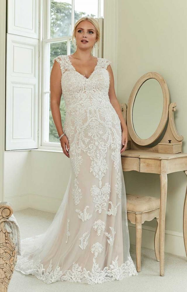 Romantica Silhouette Lisa-Marie Curvy Bridal Dress