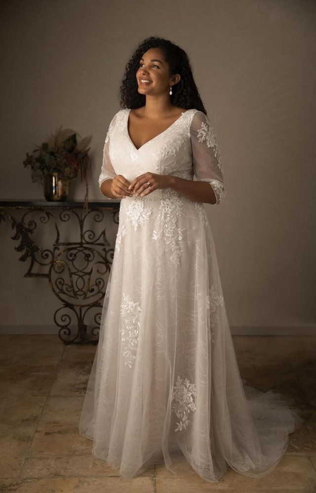 True Curves Nina Plus Size Bridal