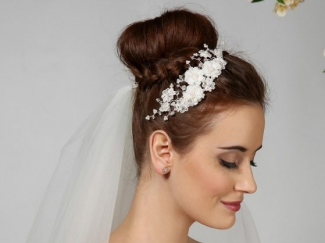 Richard Designs Bridal Jewellery P824 Pearl and floral hair vine