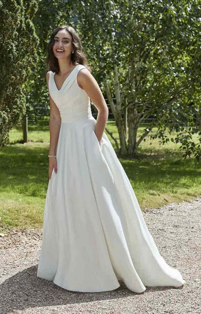 Romantica Pure PB140 Budget Wedding Dress