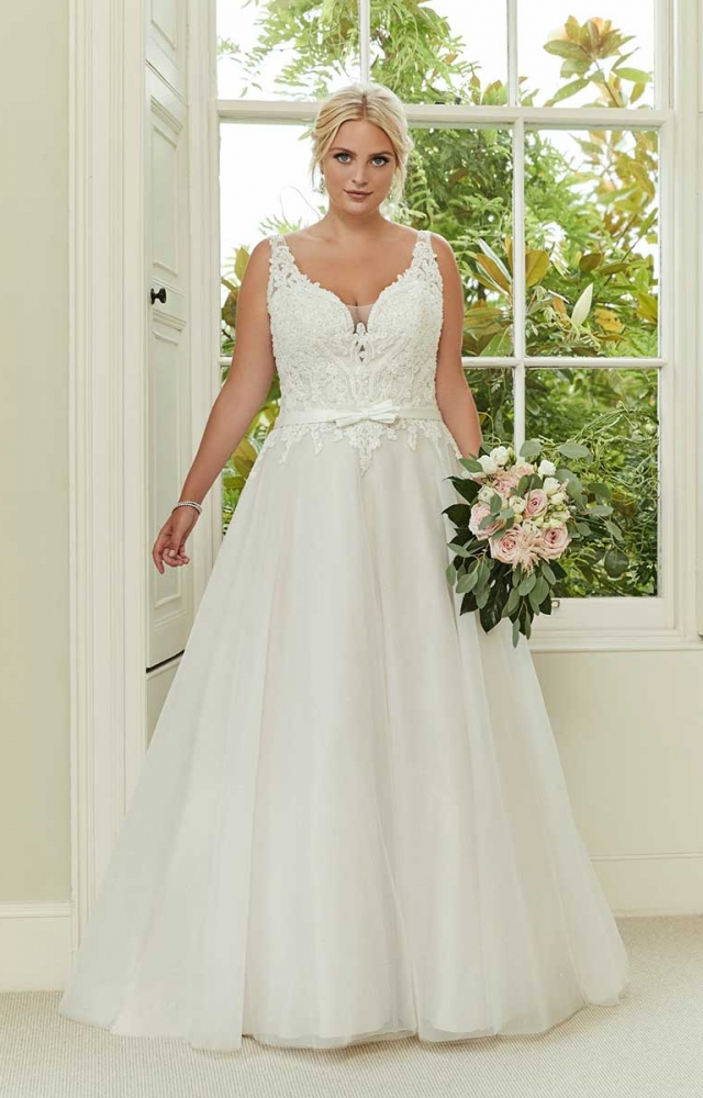 Romantica Silhouette Stella-Marie Curvy Bridal Dress