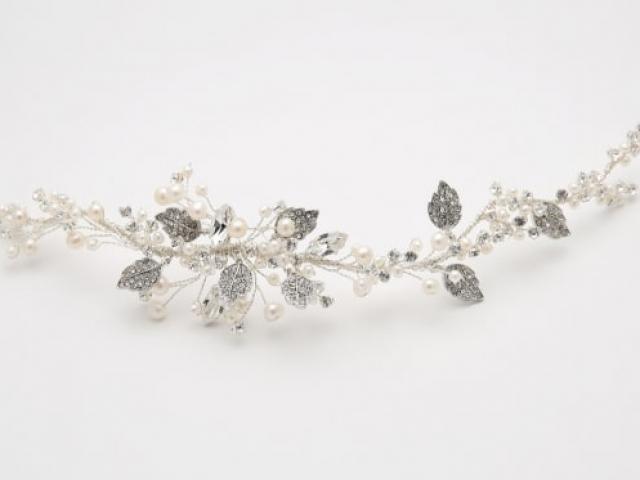 Richard Designs Bridal Jewellery TR2266A Shaped pearl and crystal leaf hair vine
