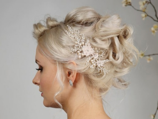 Richard Designs Bridal Jewellery TR2381A Pearl and floral hair vine