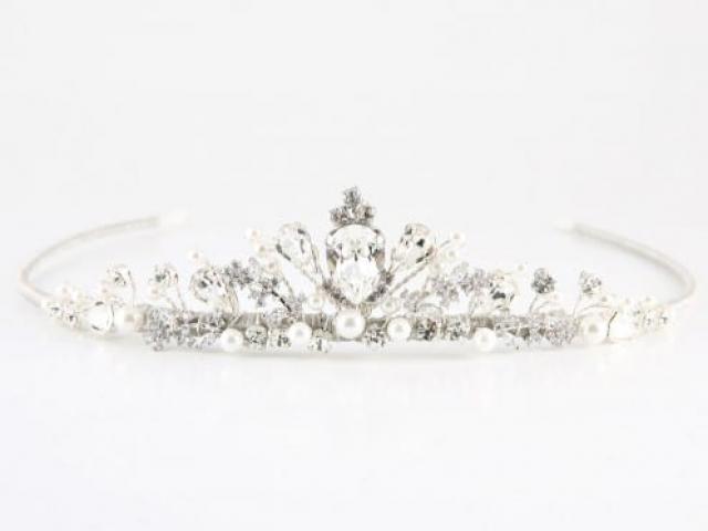 Richard Designs TR2548A Petite pearl and crystal tiara