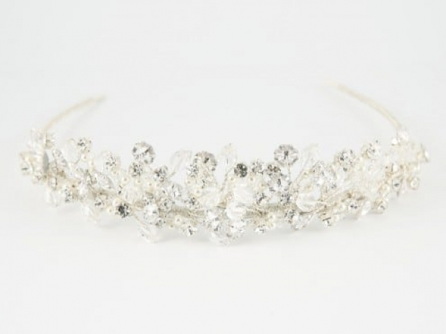 Richard Designs TR2552A Delicate clustered tiara