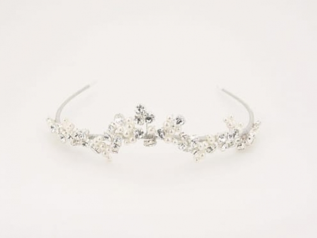 Richard Designs TR2596A clustered crstal and pearl tiara