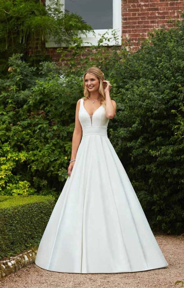 Romantica Britany Sale Wedding Dress